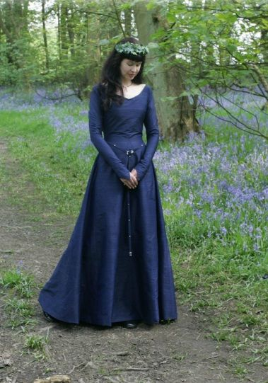 """Medieval dress """"Ciara"""" by Nine Ladies Design. ------ simple design, well cut. any colour. (we have one in pink silk)"""