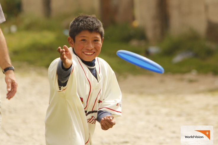 Who doesn't love a frisbee! This #toy was a gift from the USA to children in #Bolivia.