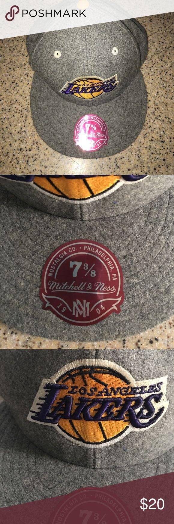 Mitchell & Ness LA Lakers Hat 7 3/8 Gray and Purple Mitchell & Ness LA Lakers Hat size 7 3/8 Mitchell & Ness Accessories Hats
