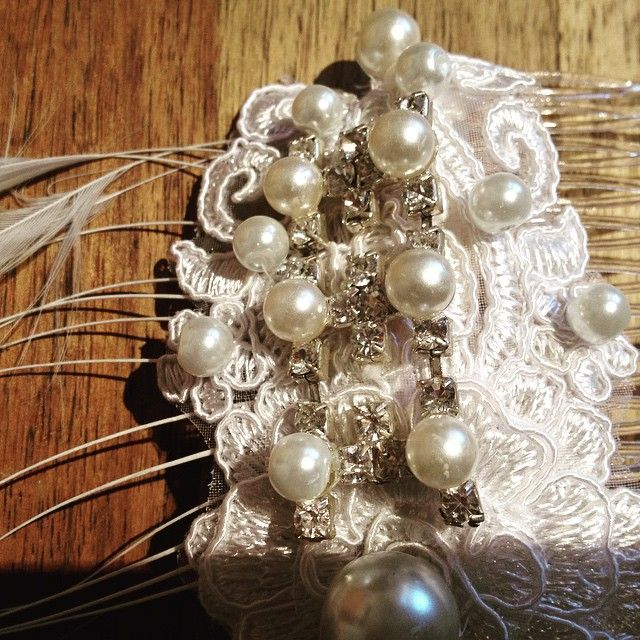 Pearl, feather and rhinestone wedding comb. Hand beaded ivory lace. #weddingaccessory #weddingaustralia #pearlcomb #handmade #1920's #lace #bridalheadwear #bridalaustralia #fascinators #localdesignaustralia #bespokebridalaccessory #originaldesigns #perth #veilsaustralia  @abirdinthehair