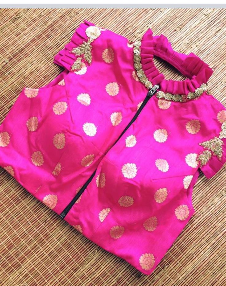 Front pink blouse Iti