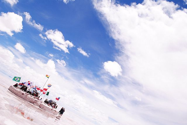 Banderas en el Salar de Uyuni | Flickr: Intercambio de fotos