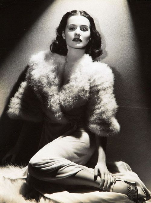 Brenda Marshall, photo by Hurrell