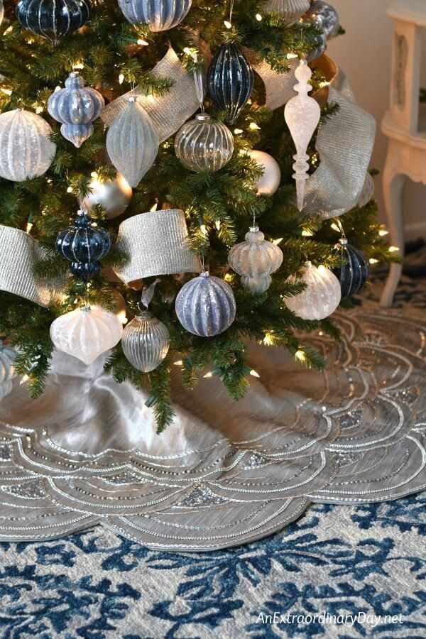 You Can Also Use Christmas Lights To Decorate Any One Of The Rooms That Can Be Found I Blue Christmas Tree Decorations Blue Christmas Tree Blue Christmas Decor
