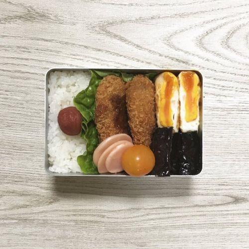 posted by @sa_yang38 お仕事してます(-)毎度かわりばえはしないけどもお昼いただきます( ...