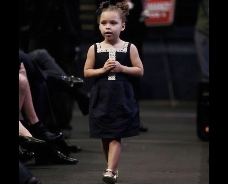 Riley Curry at her dad's MVP speech