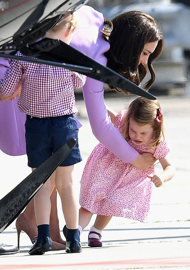 Royal toddler stomps her feet during family event in Hamburg