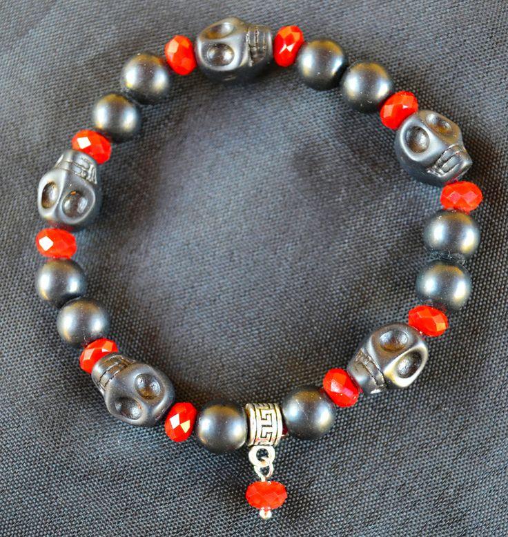 Bracciale Teschi e Perle in Pietra Nera e Swarovsky Rosso Sangue