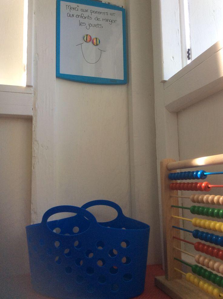 Tableau et crayons feutres lavables, jeu de billes à calculer
