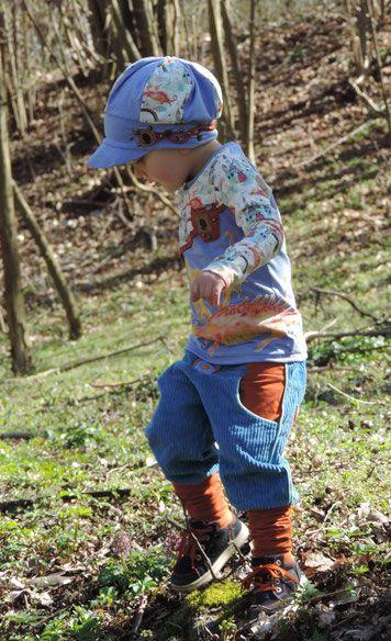 Freebook Hose Freesa für Kinder aus nicht dehnbaren Stoffen 68 - 110 •verschiedene Beinabschlussvarianten (Bündchen/ Knickebocker/ Saum/ Gummizug) •verschiedene Längen •verschiedene Taschenvarianten •unterschiedliche Teilungen und damit unendliche Variationen nähen