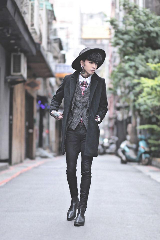 IVAN Chang - Daniel Wellington Watch, Zara Black Coat, Tastemaker 達新美 Grey Hat, Topman Black Skinny Jeans, Asos Chelseaboots - 171214 TODAY STYLE | LOOKBOOK