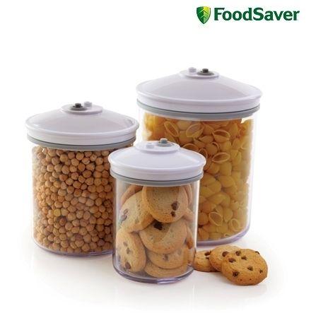Foodsaver FSC003 Bussenset 0.7L + 1.4L + 2.4L Bewaar voedingswaren vers verpakt in de vacuümbussen en trommels. De bussen zijn ideaal voor het bewaren van maaltijden, salades, brood, koekjes, chips en nog veel meer. Aan te sluiten op de vacumeermachines. € 24,50