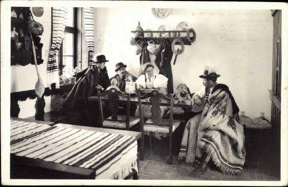 ITTHON VAGY - NÉZZ KÖRÜL NÁLUNK...: A Kiskunhalasi csipkeház régi képeslapokon / Folyt...