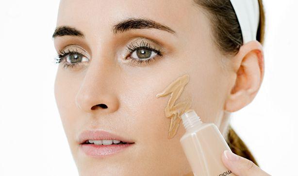 Maquillaje para Reducir Cachetes - Para Más Información Ingresa en: http://maquillajedefantasia.com/maquillaje-para-reducir-cachetes/
