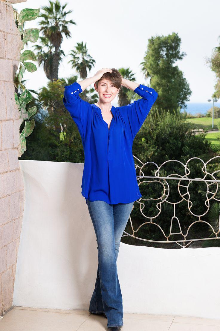 Katarzyna Sikora (Kaśka) na balkonie Crazy House w Tel Awiwie #TelAviv #architecture #Israel #Gaudi #Sikora #realestate #realestatetelaviv #CrazyHouse #fotografWarszawa #realestatephotography #luxurybuilding #KaśkaSikora #KatarzynaSikora #fotograf