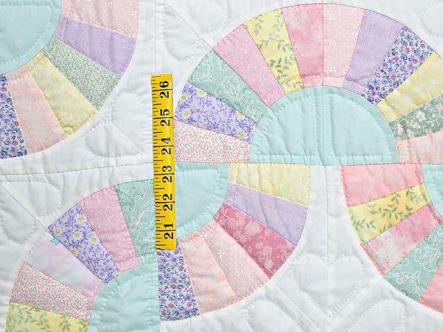Quilt Pattern For Grandmother S Fan : 9 best images about Quilts - Grandmother s Fan on Pinterest Antique quilts, Quilt and Grandmothers