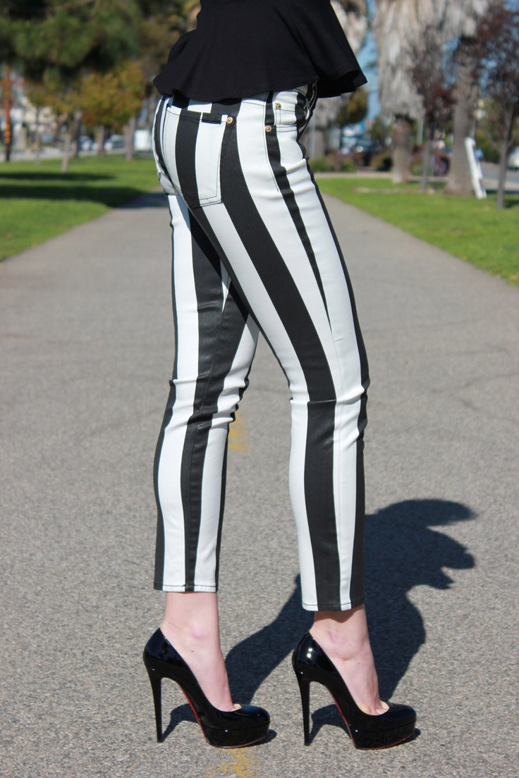 7 For All Mankind Cropped Slim Cigarette in Black And White Gloss Stripe