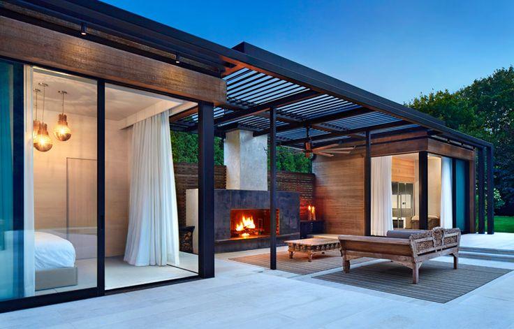 cabane chic: chambre, terrasse couverte et zone SPA avec sauna