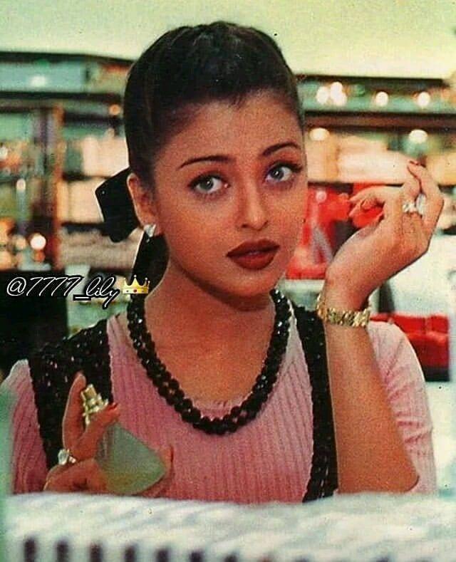 Instagram Post By Arb Queendom Feb 8 2019 At 10 52pm Utc Actress Aishwarya Rai Bollywood Girls Aishwarya Rai Photo