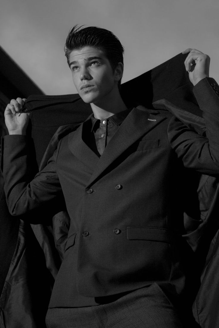 Sam Steele in Lucky Star by Simone Siel for Fashionisto Exclusive