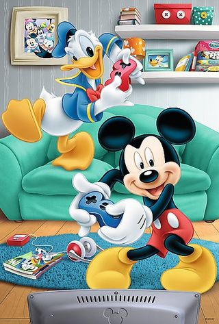 Gaming on! Mickey Mouse vs. Donald Duck!