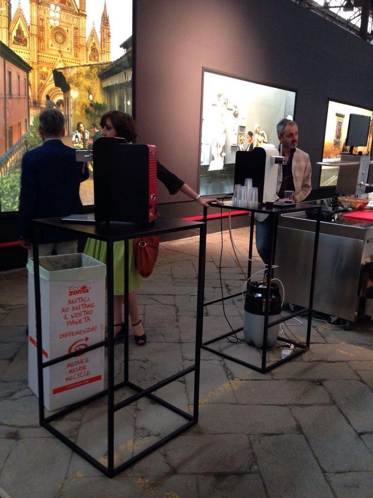 @Expo2015Milano; @ design; allestimento minimal dell'opening - Umbria Experience - linee protagoniste nel gioco pieno/vuoto. Quando la semplicità diventa classe...