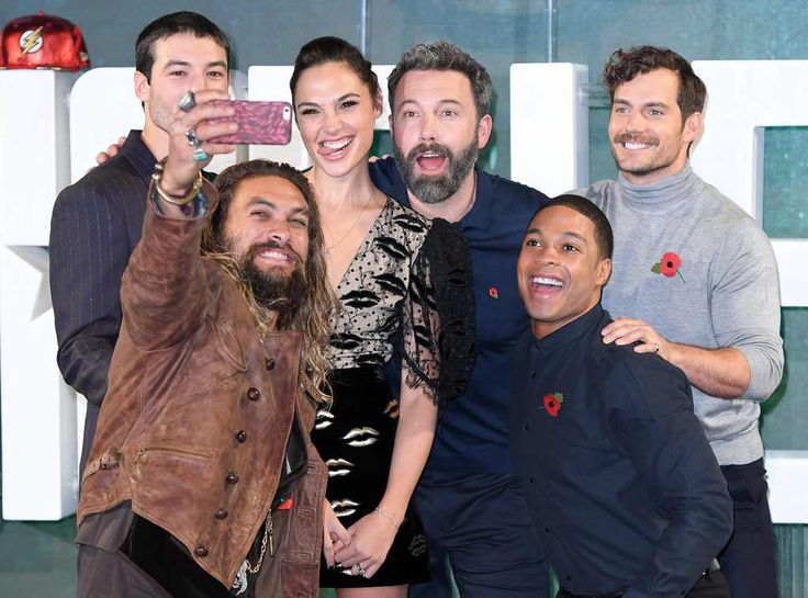 Jason Momoa, Ezra Miller, Gal Gadot, Ben Affleck, Ray Fisher & Henry Cavill from The Big Picture: Today's Hot Photos  Selfie time! The cast attends the Justice League photocall in London.