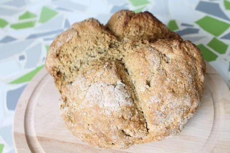 Het gemakkelijkste brood dat je zelf kunt maken is dit bier brood. In het Engels heet het soda bread, maar daar hebben we geen Nederlandse term voor. Iedereen hier is er dol op en ik word er vaak naar gevraagd! Binnen 5 minuten kan ik dit in de oven hebben staan. Het hoeft niet meerdere …