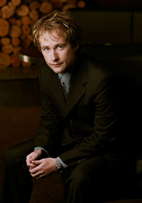 Just stumbled upon this frankly SUPER SHARP hobbit just now. Oh Billy Boyd, you perfect Scot, you.