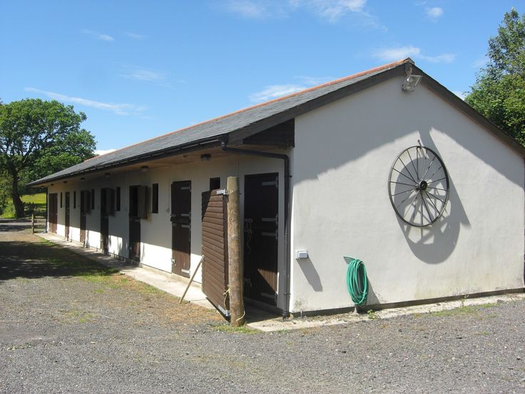 HFS1204, Stables, Yard and Land, Asking Price £135,000 Location Swiss Valley, Llanellli | SA14 8LZ, #Online Estate Agency #Free Online Estate Agency #Online Houses for sale #Selling your house online #Free Property Valuation online #Online Estate Agent, #Free business valuation online