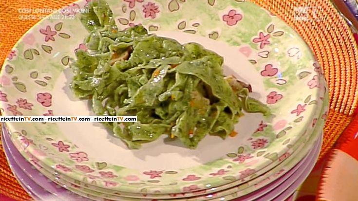 La ricetta delle pappardelle verdi con funghi e castagne di Alessandra Spisni del 20 ottobre 2015 - La prova del cuoco