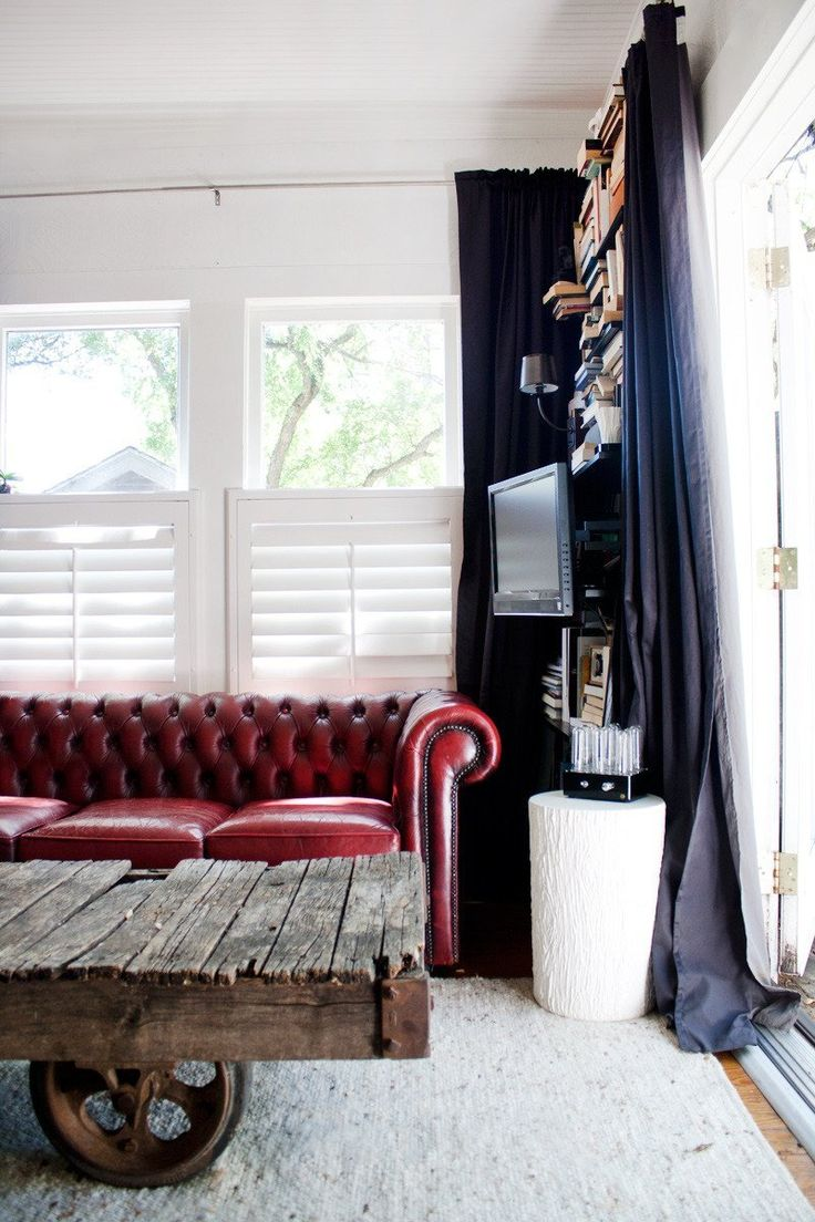 Leather Couch Living Room 1000 Ideas About Red Leather Couches On Pinterest Living Room