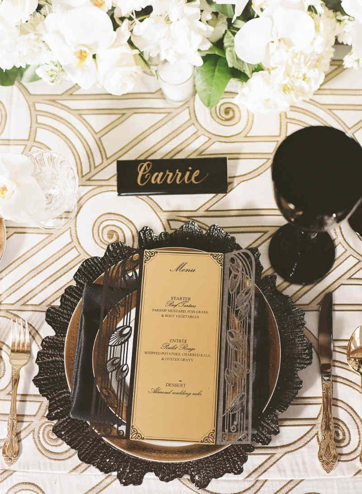 Black and Gold Table Decor, Art Deco Wedding Inspiration www.elegantwedding.ca