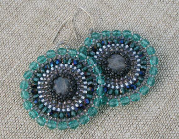 labradorite seed bead, beaded earrings made by #koralikowyraj #seedbead #beadedearrings #labradoriteearrings #hoop #hoopearrings #dangleearrings #beadwork