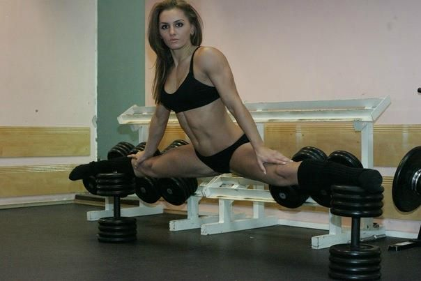 """""""The best way to predict the future is to invent it."""" ~ Alan Curtis Kay  #fitgirls #girlswholift #splits #flexibility"""
