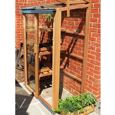 De Minikas: kleine ruimte, groot plezier. Dit is de kleinste kas waar u in kunt staan (als het dak open staat). Voor deze maat is altijd een plekje te vinden, zelfs op de meeste balkons. Moet tegen een muur of schutting staan (heeft geen achterwand).  Zeer mooi afgewerkt, red cedar, met een schuifdeur en twee te openen daken. Grijs gecoat aluminium.