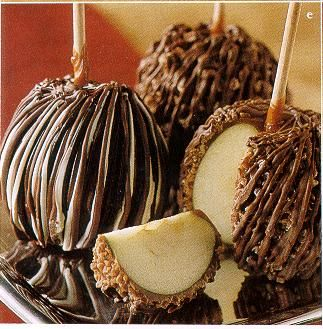 Caramel apples with Chocolate drizzle