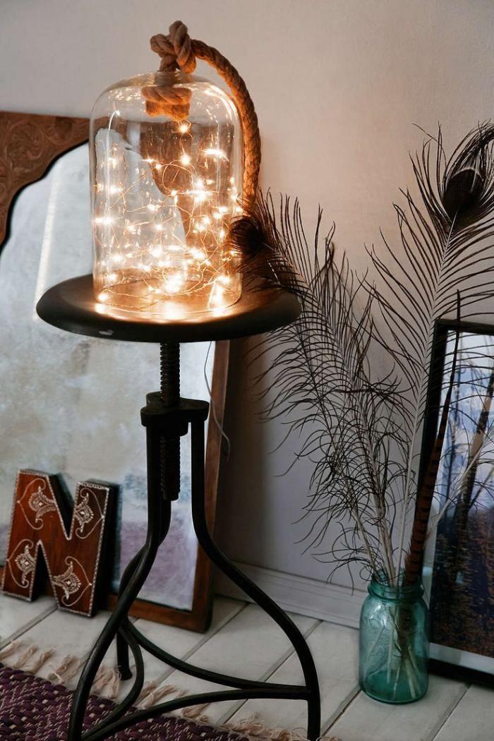 lampes de chevet, décoration boho chic avec bocal et guirlande lumineuse