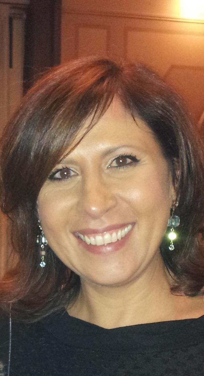 Adele Sparavigna, dermatologa, in una intervista racconta: http://www.cipriamagazine.it/2014/01/il-cibo-delle-feste-che-fa-bene-alla-pelle/