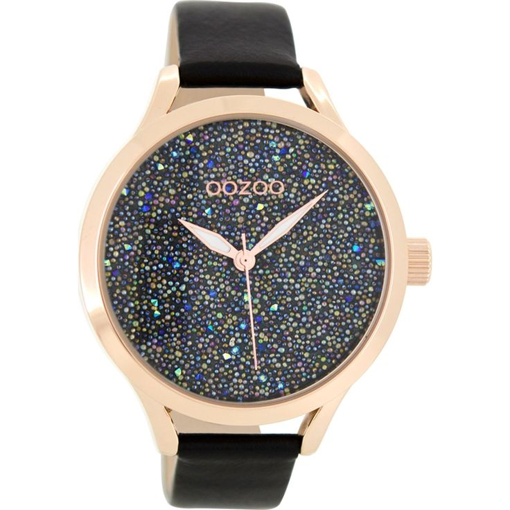 Από τον οίκο Oozoo ένα ρολόι με κάσα από ανθεκτικό μέταλλο ροζ επιχρυσωμένο και μαύρο δερμάτινο λουράκι.