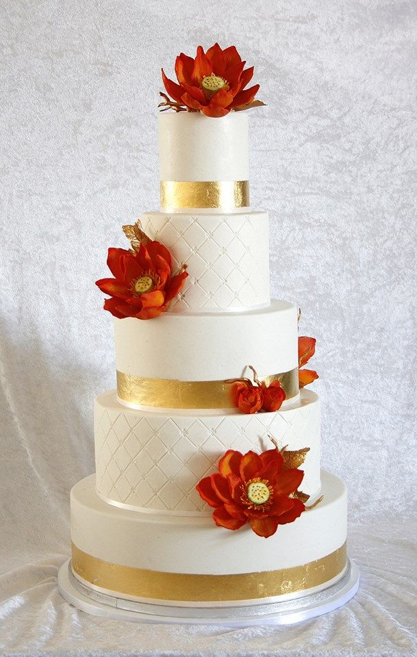 making wedding cake in advance 1000 images about wedding cakes amp white on 17070