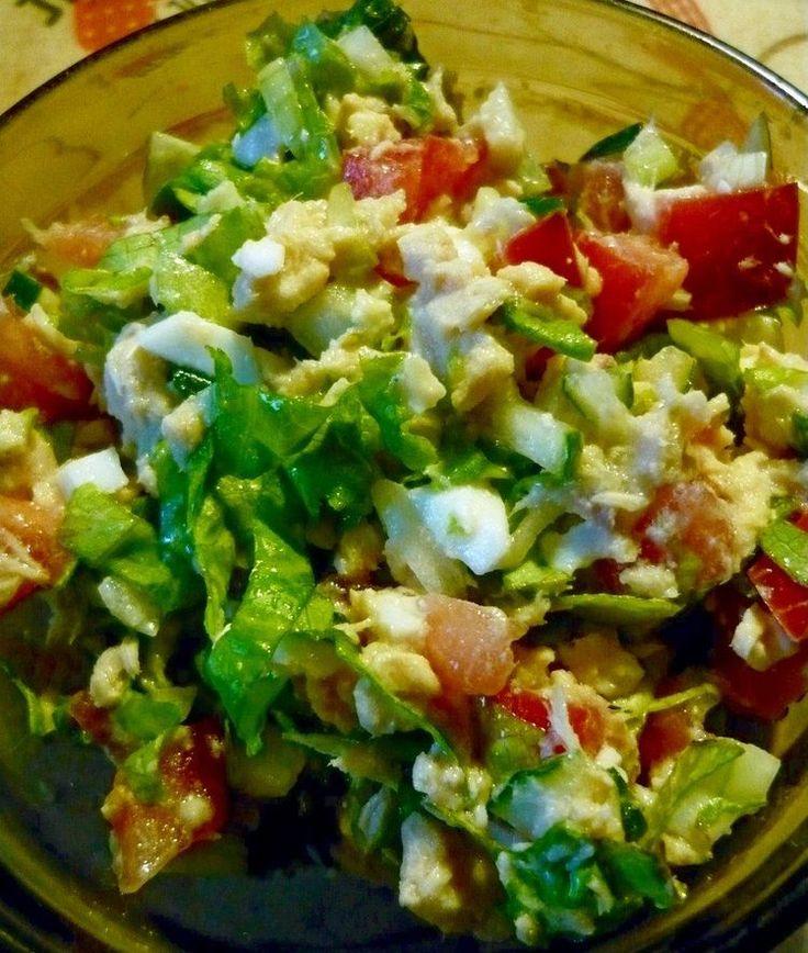 Изумительный салат с консервированной рыбой