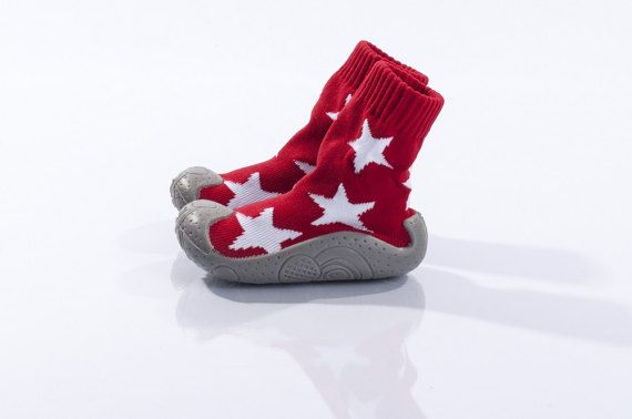 Baby booties Baby footwear Red Baby shoes Infant girl. #baby #sleeper #red #boys #girls