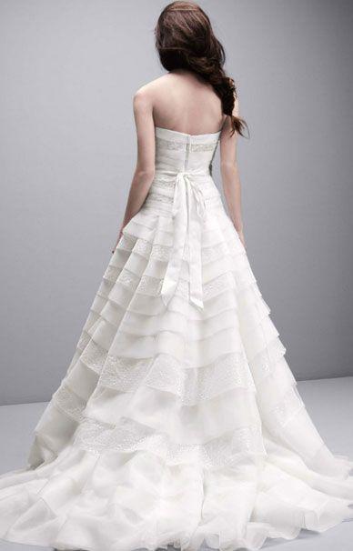 Свадебное платье от Вера Вонг с тонким кружевом