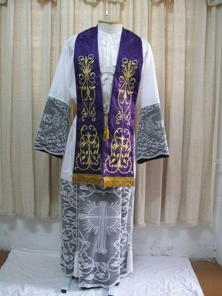 Estola  #sacerdote #Cristo #eucaristia #liturgia #paramentos #paramentoliturgico #igreja #santa #igrejacatolica #bispo #padre #etverbum #estola #vocação