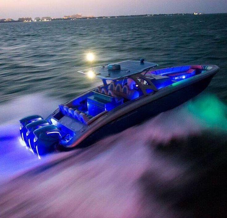 Boats - FOSTERGINGER @ Pinterest