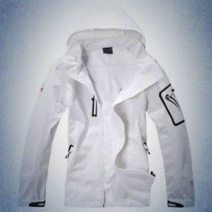 Few Men's Jackets That Complete Your Wardrobe