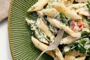 Whip Up Creamy, Satisfying Spinach and Ricotta Pasta in a Flash