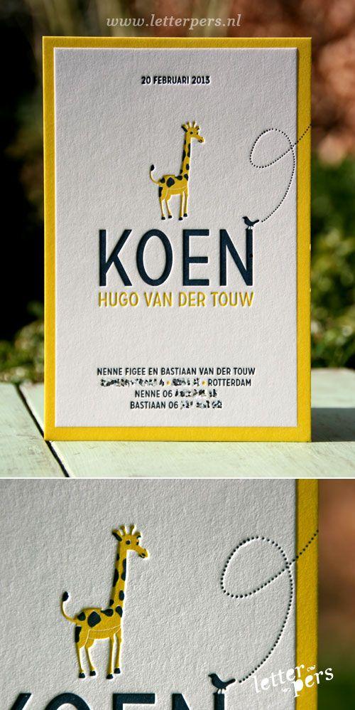 letterpers_letterpress_geboortekaartje_Koen_vogel_giraffe_geel_relief