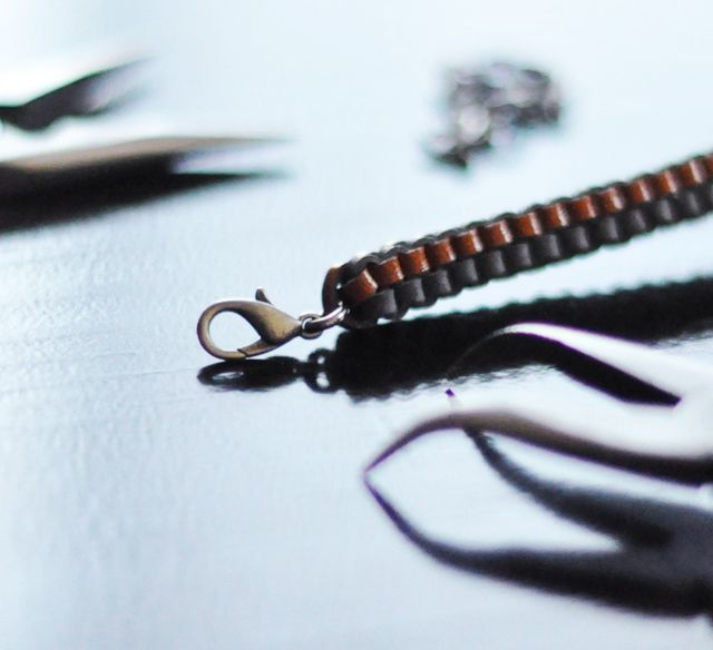 DIY leather-lanyard-bracelet